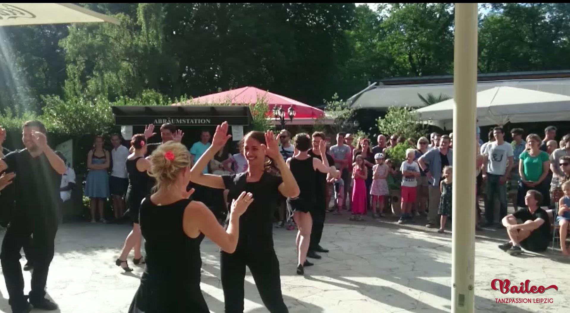Ruedasho beim Baileo Salsasommer am Musikpavillon Leipzig