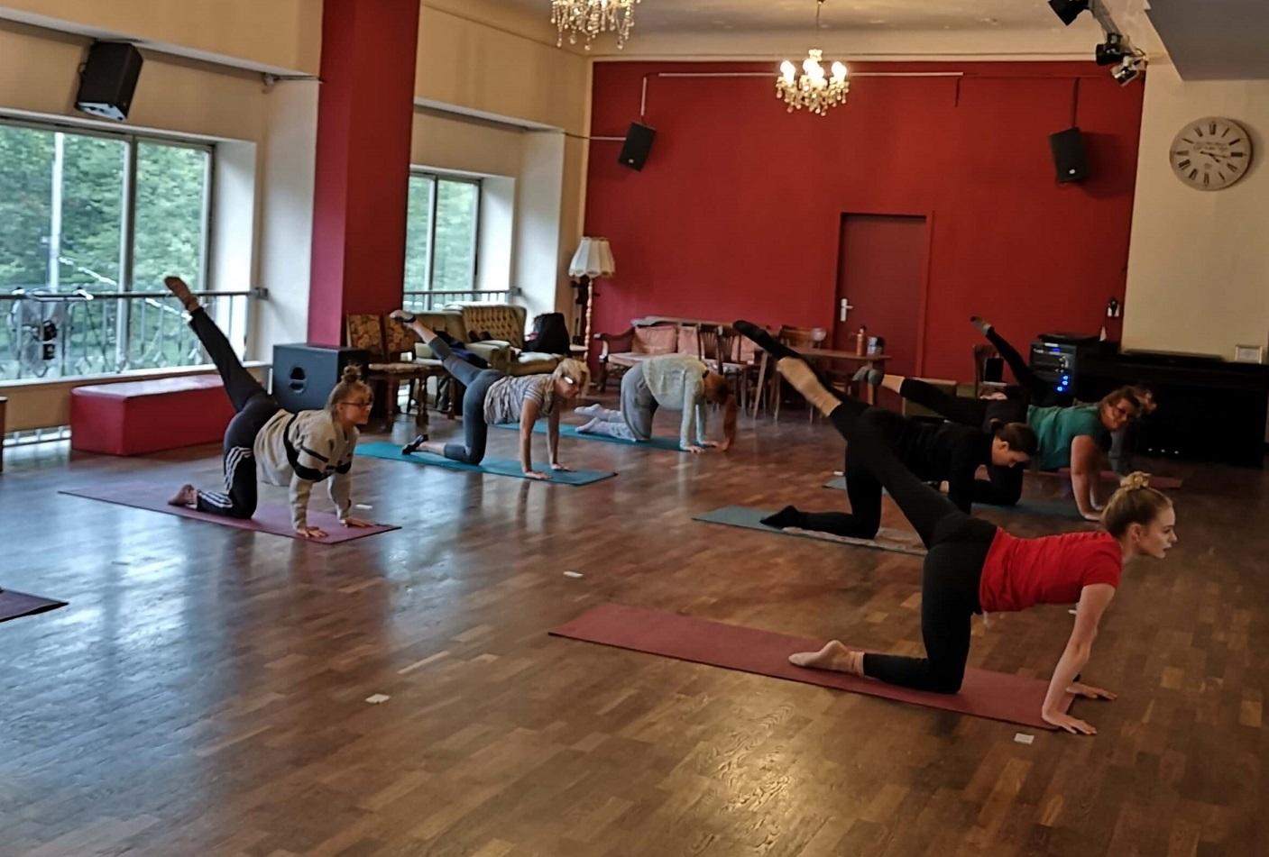 46-Stretching-mit-Luisa